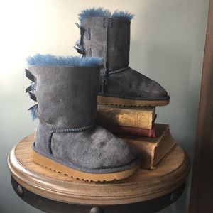 girls blue bow ugg boots